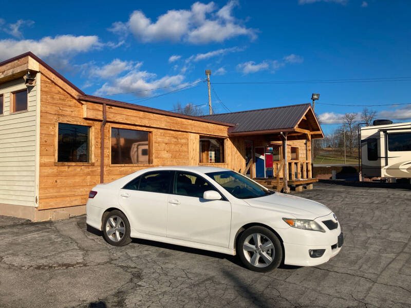 2011 Toyota Camry for sale at Country Auto Sales Inc. in Bristol VA