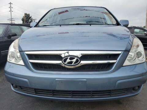 2008 Hyundai Entourage for sale at Hart Auto in Milwaukee WI