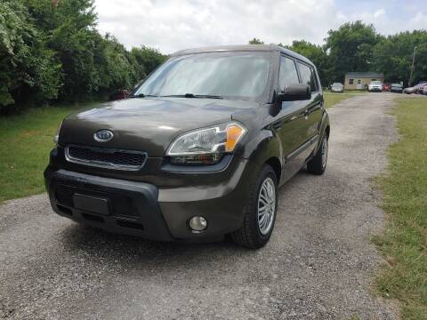 2010 Kia Soul for sale at The Car Shed in Burleson TX