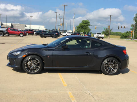 2017 Toyota 86 for sale at LANDMARK OF TAYLORVILLE in Taylorville IL