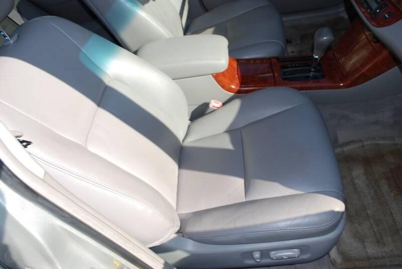 2005 Toyota Camry XLE V6 4dr Sedan - New Milford CT