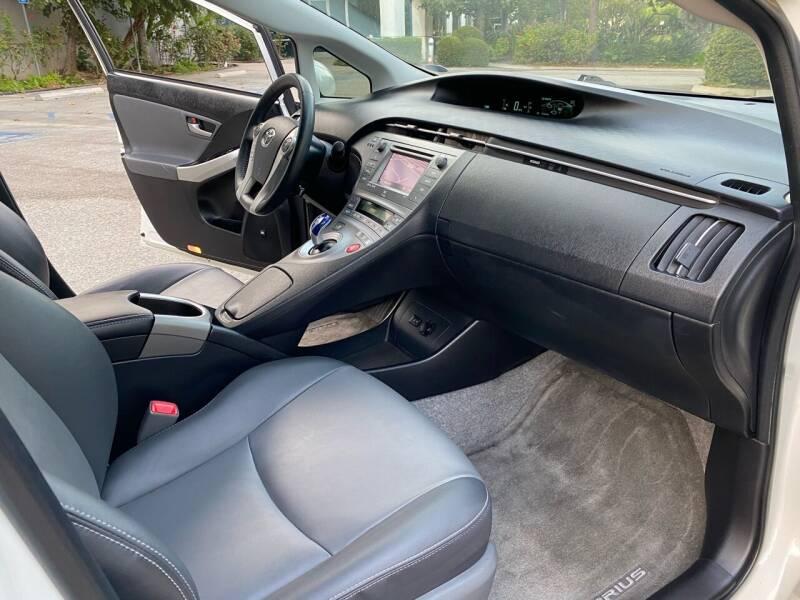 2013 Toyota Prius Four 4dr Hatchback - Van Nuys CA