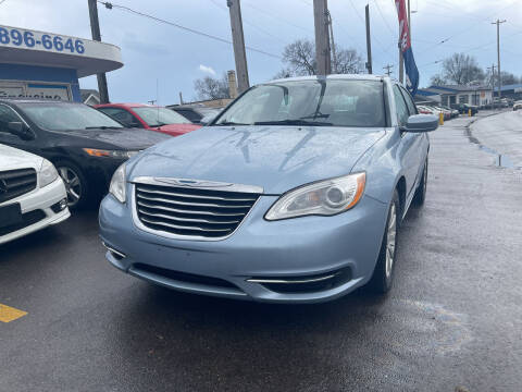 2013 Chrysler 200 for sale at Ideal Cars in Hamilton OH