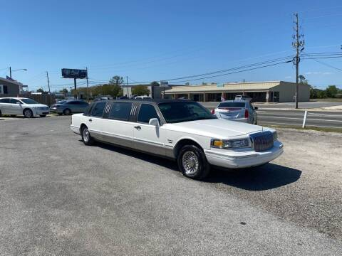 1996 Lincoln Town Car for sale at Lucky Motors in Panama City FL