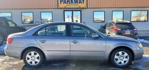 2008 Hyundai Sonata for sale at Parkway Motors in Springfield IL