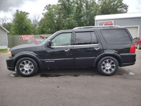 2006 Lincoln Navigator for sale at Hilltop Auto in Prescott MI