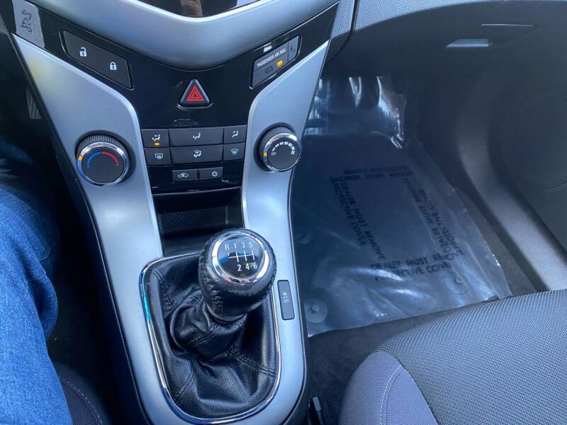 2013 Chevrolet Cruze ECO Manual 4dr Sedan w/1SE - Fredericksburg PA