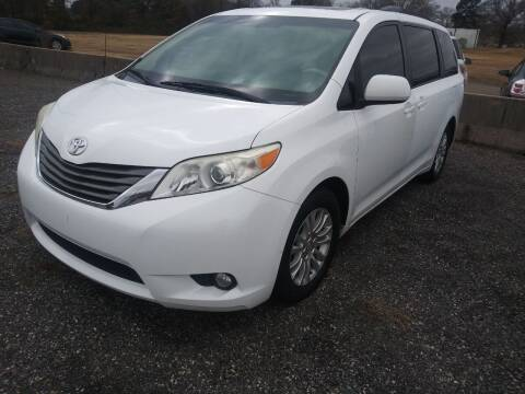 2012 Toyota Sienna for sale at Auto Credit Xpress - Sherwood in Sherwood AR