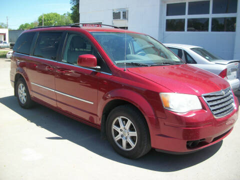 2010 Chrysler Town and Country for sale at Wildcat Motors - Main Branch in Junction City KS