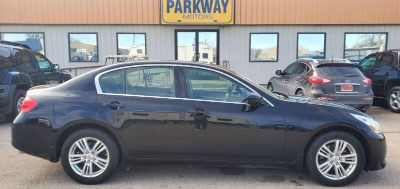 2012 Infiniti G25 Sedan for sale at Parkway Motors in Springfield IL