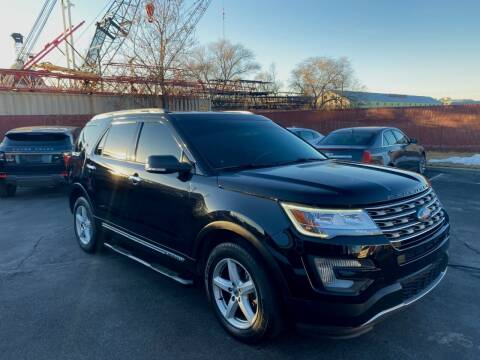 2017 Ford Explorer for sale at The Car-Mart in Murray UT