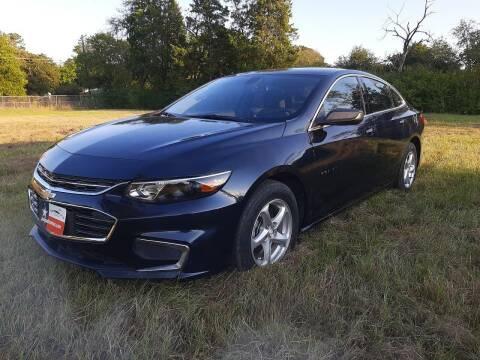 2018 Chevrolet Malibu for sale at LA PULGA DE AUTOS in Dallas TX