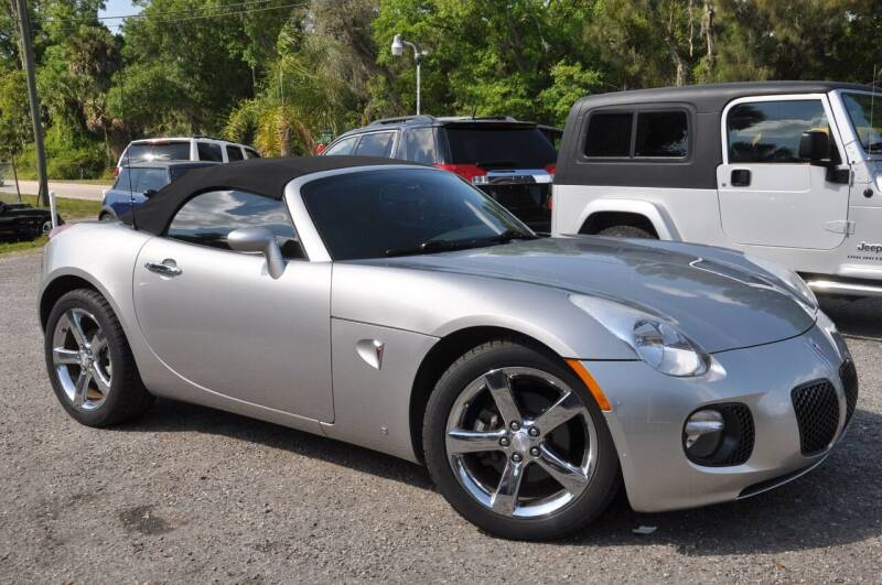2009 Pontiac Solstice for sale at Elite Motorcar, LLC in Deland FL