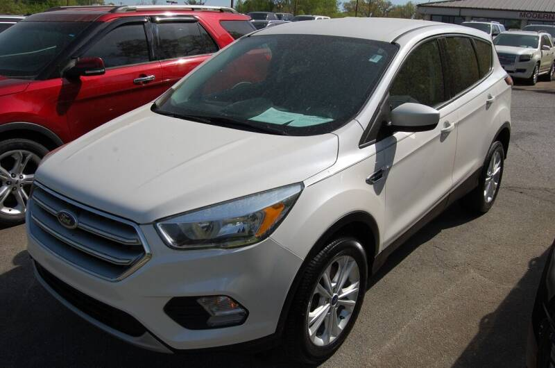 2017 Ford Escape for sale at Modern Motors - Thomasville INC in Thomasville NC
