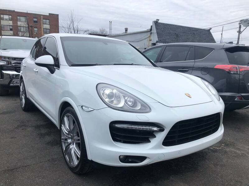 2013 Porsche Cayenne for sale at OFIER AUTO SALES in Freeport NY