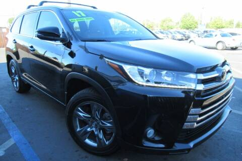 2017 Toyota Highlander for sale at Choice Auto & Truck in Sacramento CA