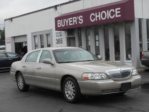 2007 Lincoln Town Car for sale at Buyers Choice Auto Sales in Bedford OH