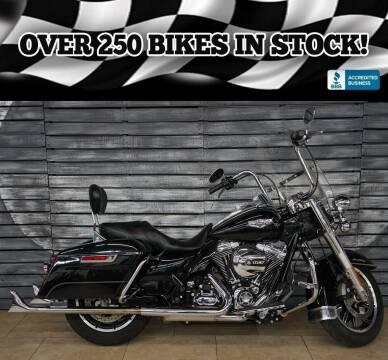 2015 Harley-Davidson Road King for sale at AZautorv.com in Mesa AZ