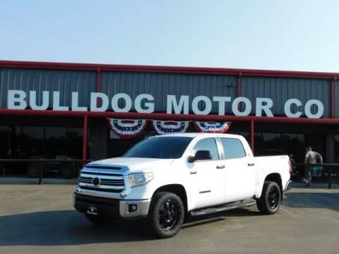 2017 Toyota Tundra for sale at Bulldog Motor Company in Borger TX