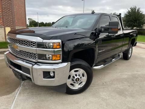 2019 Chevrolet Silverado 2500HD for sale at AUTO DIRECT Bellaire in Houston TX