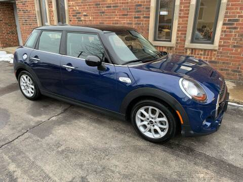 2015 MINI Hardtop 4 Door for sale at Riverview Auto Brokers in Des Plaines IL