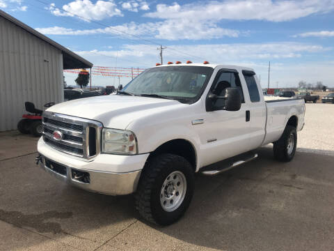 2005 Ford F-250 Super Duty for sale at Family Car Farm in Princeton IN