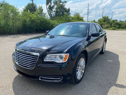 2014 Chrysler 300 for sale at Mr. Auto in Hamilton OH