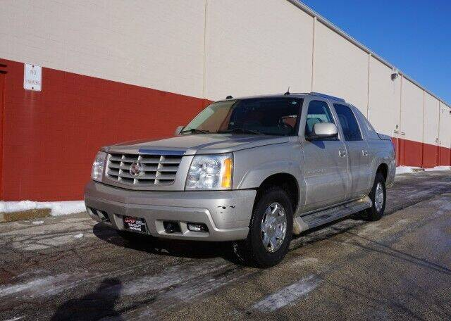 2005 Cadillac Escalade EXT for sale at O T AUTO SALES in Chicago Heights IL