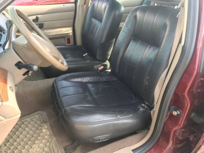 2004 Ford Crown Victoria LX 4dr Sedan - Charlotte NC