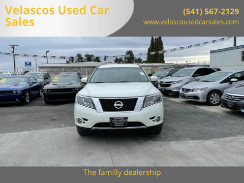 2015 Nissan Pathfinder for sale at Velascos Used Car Sales in Hermiston OR