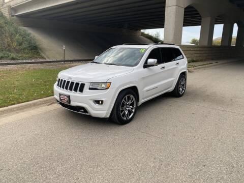 2016 Jeep Grand Cherokee for sale at Apple Auto in La Crescent MN