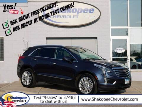 2018 Cadillac XT5 for sale at SHAKOPEE CHEVROLET in Shakopee MN