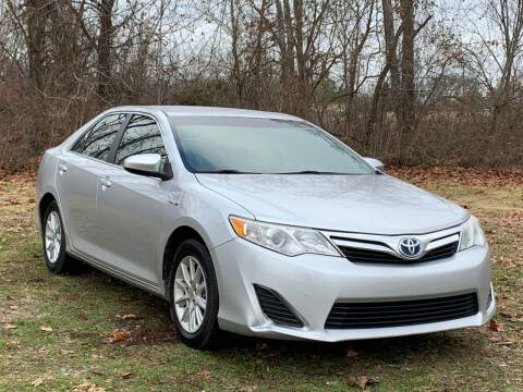 2012 Toyota Camry Hybrid for sale at Essen Motor Company, Inc in Lebanon TN