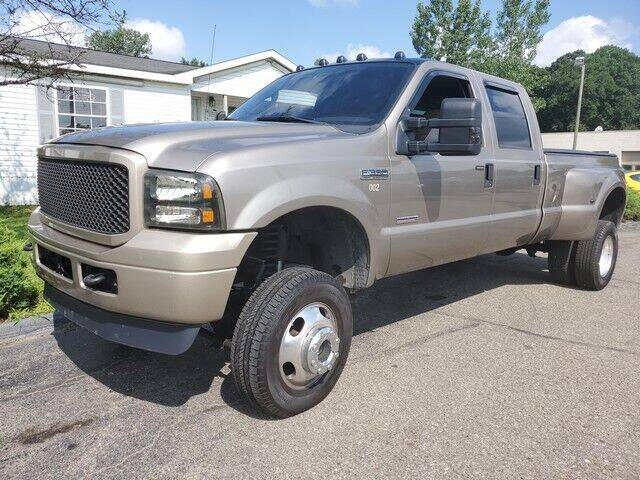2005 Ford F-350 Super Duty for sale at Paramount Motors in Taylor MI