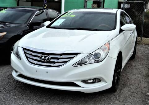2011 Hyundai Sonata for sale at DESERT AUTO TRADER in Las Vegas NV