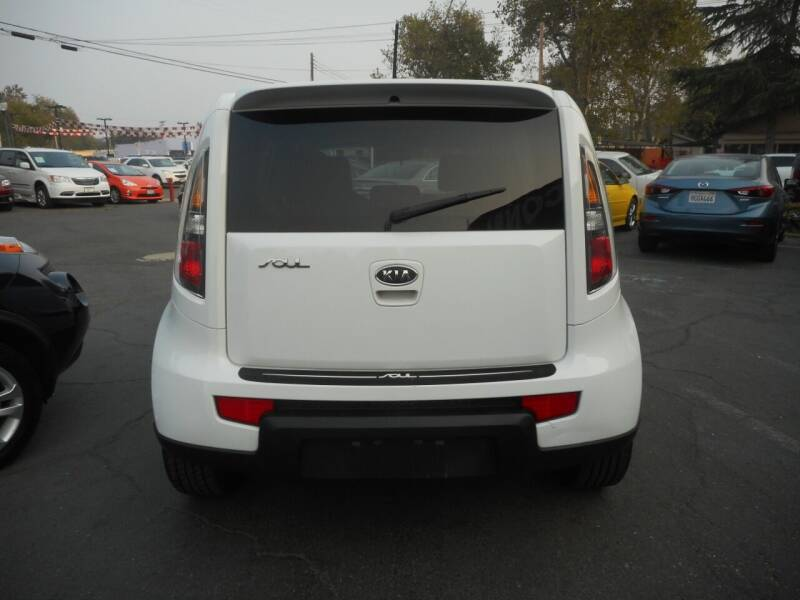 2011 Kia Soul White Tiger Special Edition 4dr Crossover - Roseville CA