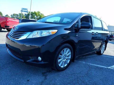 2017 Toyota Sienna for sale at SILVER ARROW AUTO SALES CORPORATION in Newark NJ