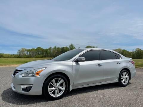 2015 Nissan Altima for sale at LAMB MOTORS INC in Hamilton AL
