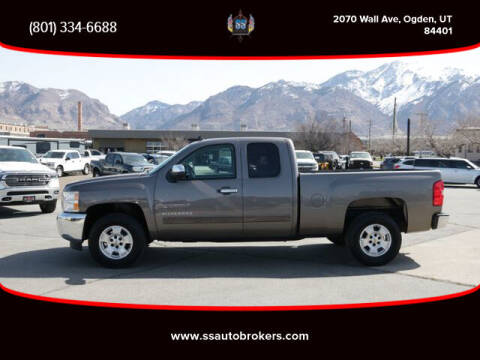 2013 Chevrolet Silverado 1500 for sale at S S Auto Brokers in Ogden UT