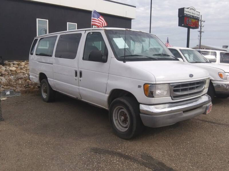2000 Ford E-350 for sale at L & J Motors in Mandan ND