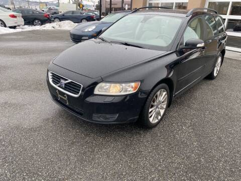 2008 Volvo V50 for sale at MAGIC AUTO SALES - Magic Auto Prestige in South Hackensack NJ