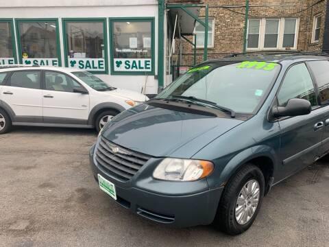 Minivan For Sale in Chicago, IL - Barnes Auto Group