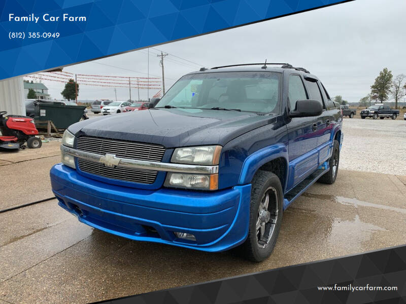 2004 Chevrolet Avalanche for sale at Family Car Farm in Princeton IN