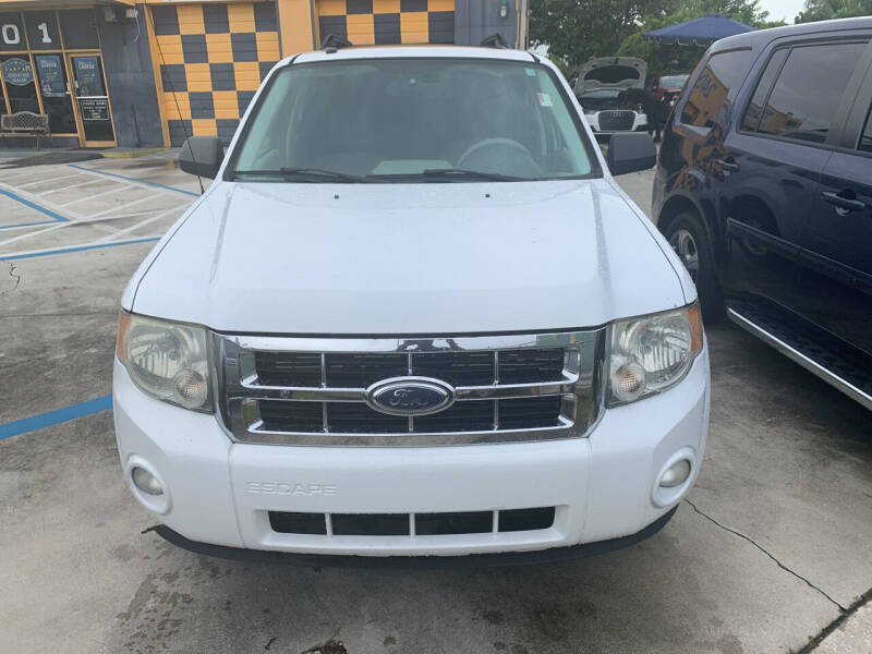 2008 Ford Escape for sale at Dulux Auto Sales Inc & Car Rental in Hollywood FL