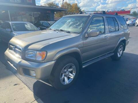 2004 Nissan Pathfinder for sale at Wise Investments Auto Sales in Sellersburg IN