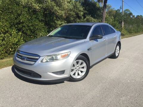 2012 Ford Taurus for sale at VICTORY LANE AUTO SALES in Port Richey FL