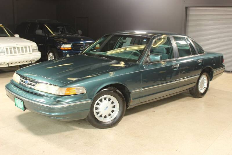 1996 Ford Crown Victoria for sale at AUTOLEGENDS in Stow OH