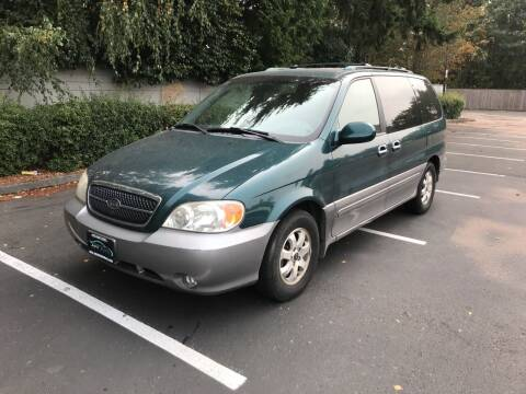 2005 Kia Sedona for sale at APX Auto Brokers in Lynnwood WA