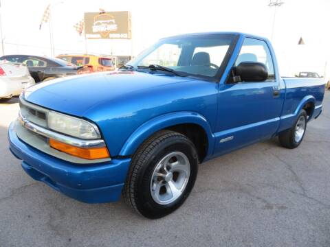 2001 Chevrolet S-10 for sale at Moving Rides in El Paso TX