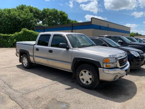 2006 GMC Sierra 1500 for sale at BEAR CREEK AUTO SALES in Rochester MN